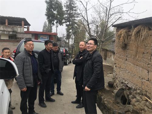 雅安市农业农村局郑洪副局长带队巡查畜禽养殖污染防治工作