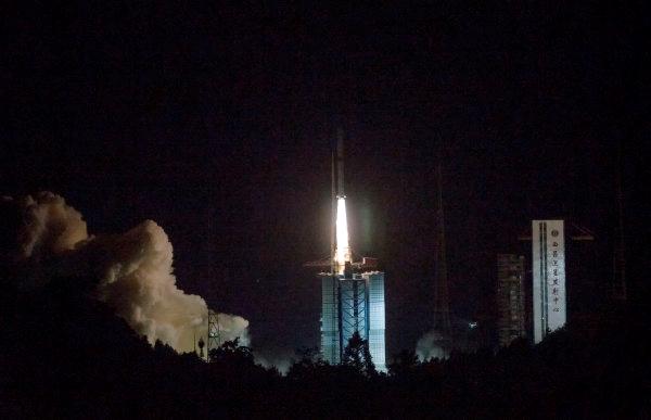 """娥四号中继星成功发射 将搭建地月""""鹊桥"""""""