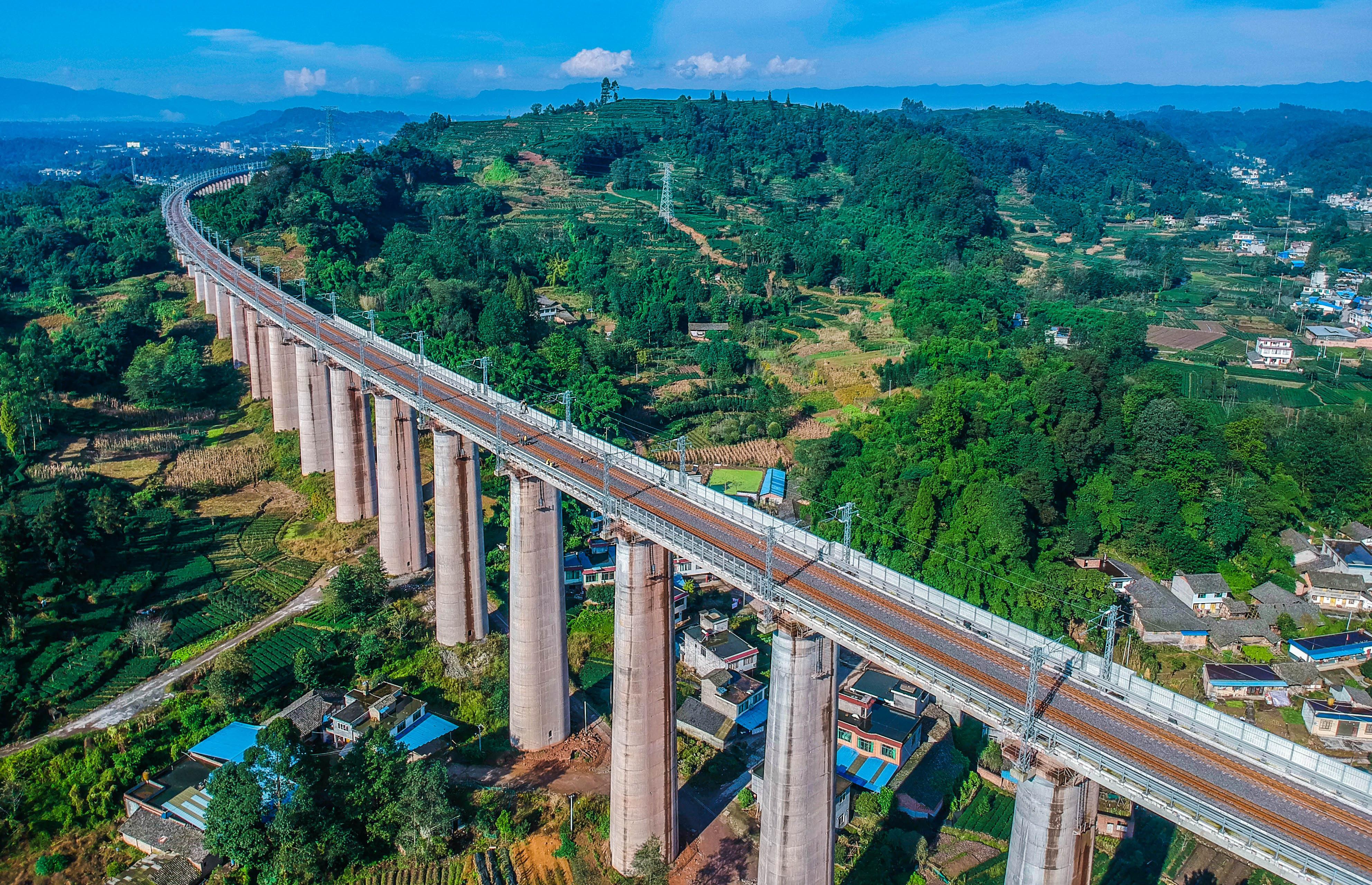 铁总官宣:成雅铁路年内开通,1月5日起日常开行动车组10对!