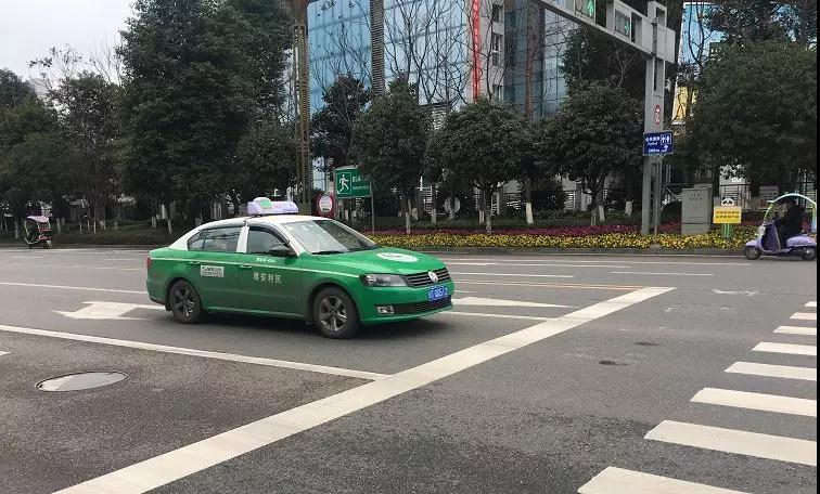 这里有个曝光雅安出租车乱象的视频,看完觉得好气哦!