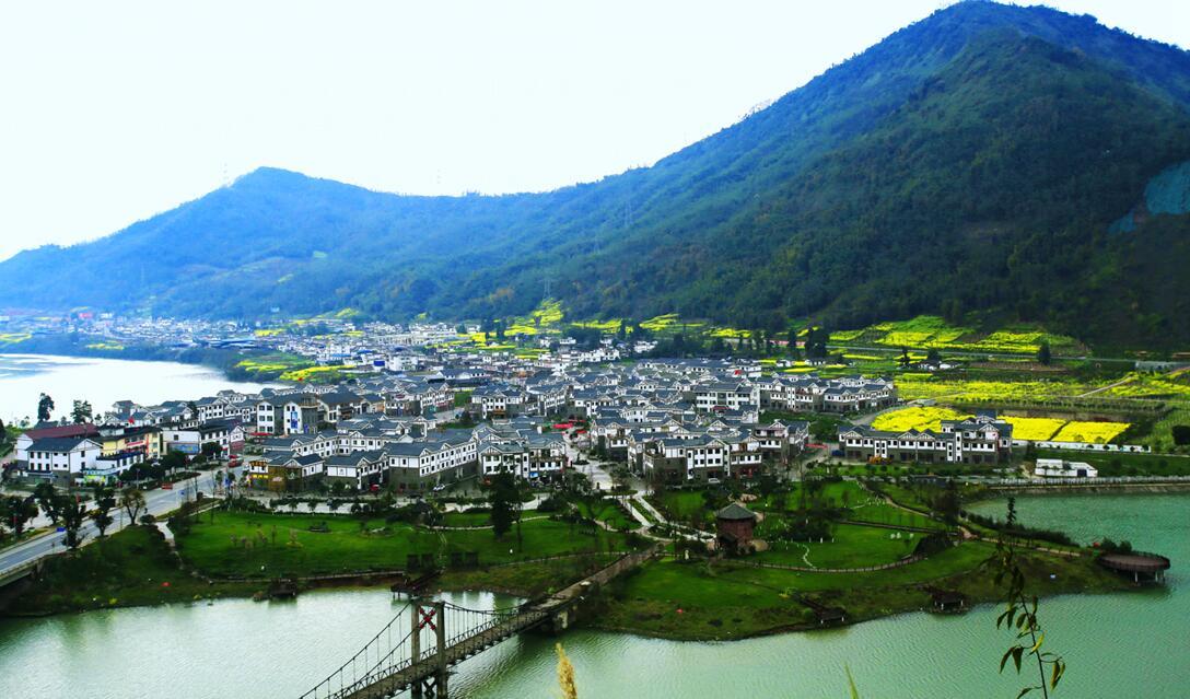 把雅安建成长江上游坚固靓丽的生态屏障