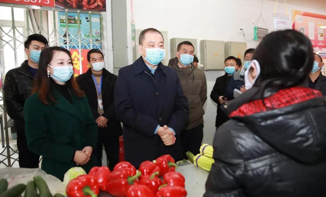 聯防聯控 群防群治 堅決打(da)好新型(xing)冠狀病毒感染(ran)的肺炎疫情防控阻擊戰