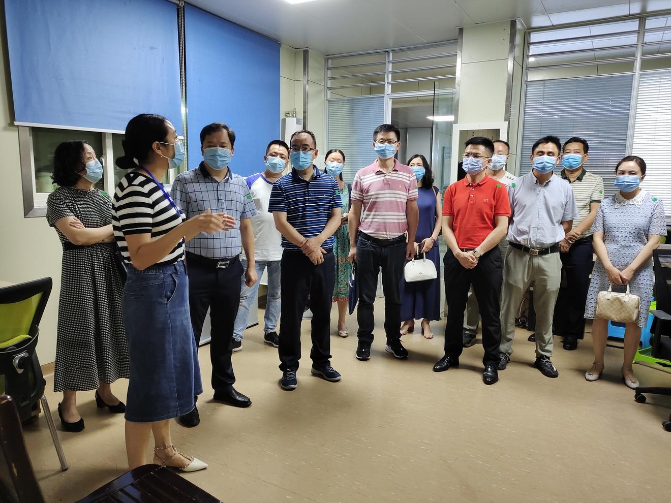 实行医共体医保管理 方便群众看病就医